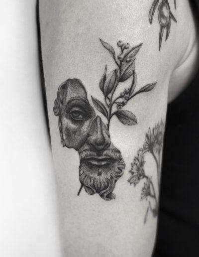 gergo augusztiny hungary budapest statue tattoo