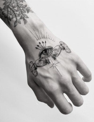gergo augusztiny hungary budapest hand fine line tattoo