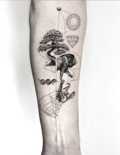 gergo augusztiny hungary budapest lion fineline tattoo
